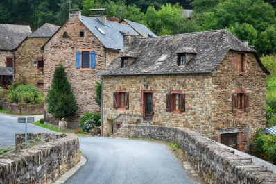 old-village-2823175_1280